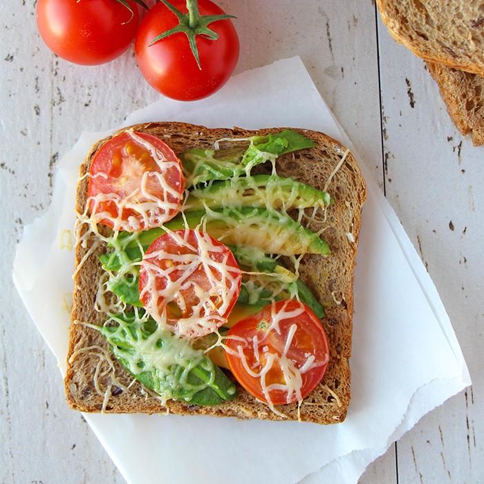Toast-mit-Avocado