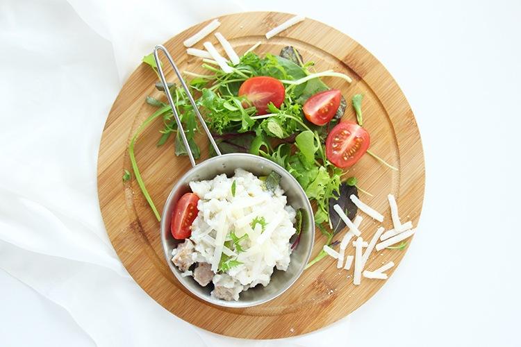 Risotto-mit-Salsiccia-mit-Salat