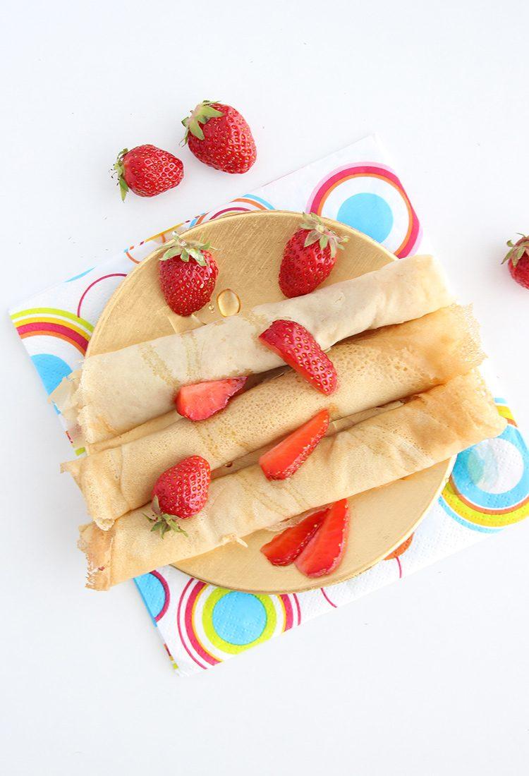 Crepes-mit-frischen-Erdbeeren